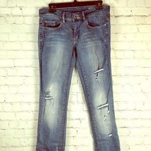 🔥Blank NYC distressed straight leg jeans /EUC🔥